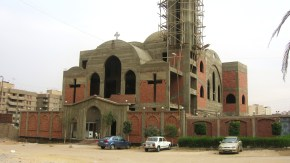 Bouw kerken dan kun je gevangenissensluiten