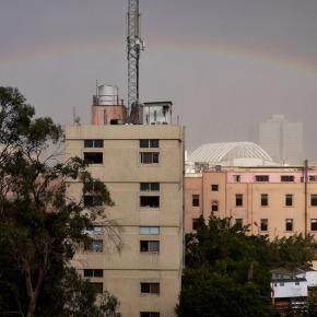 Regen en regenboog