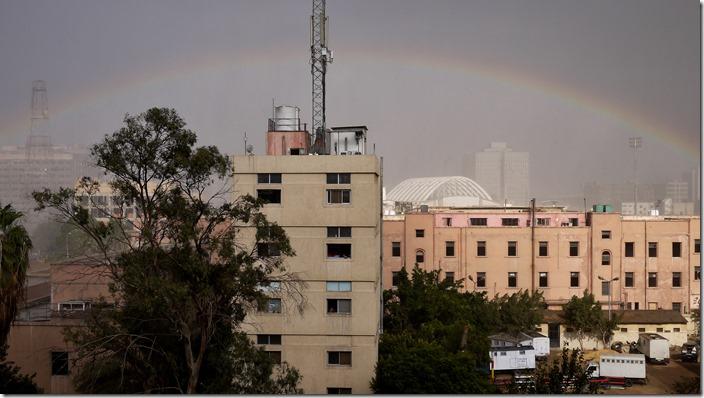 P1560906 regenboog rainbow Cairo Egypte Egypt (c) willemjdewit