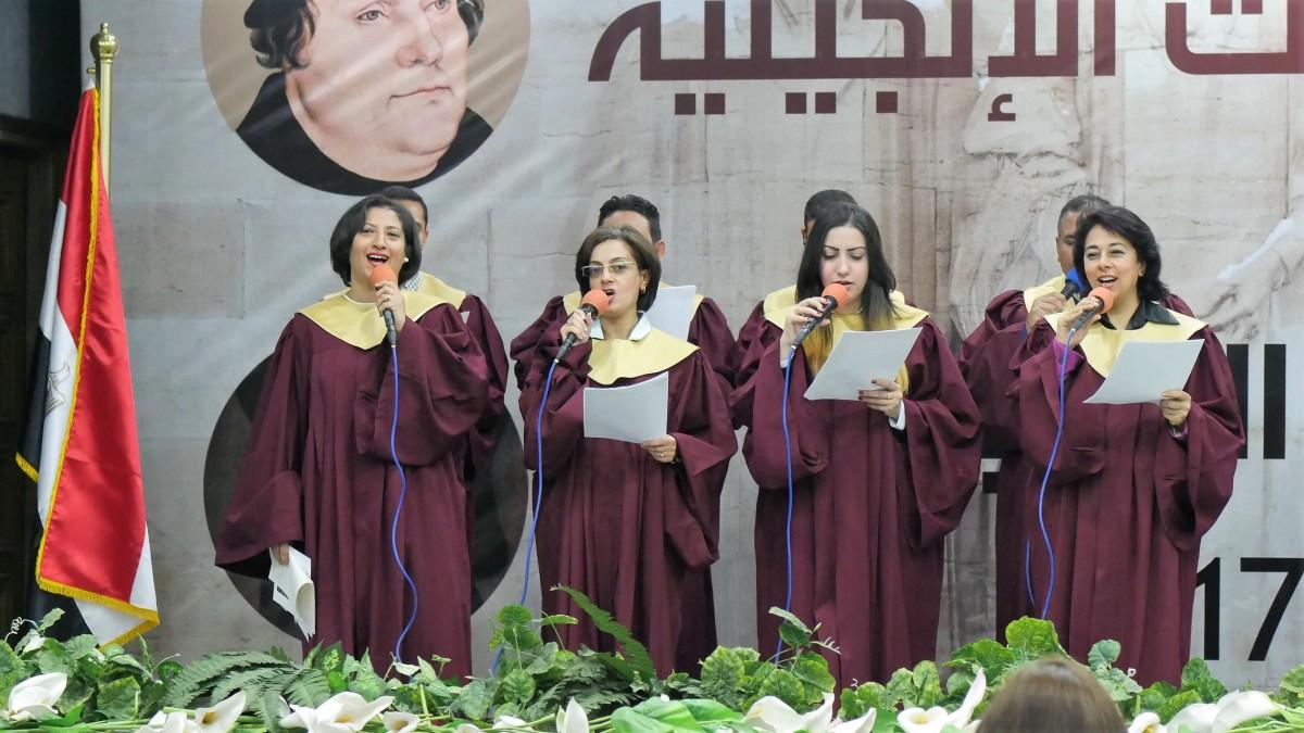 """""""Een vaste burg"""" in het Arabisch (video)"""