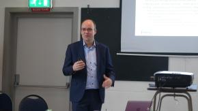 De dominees leren van Jan-Maarten Goedhart over het IZBFocus-programma
