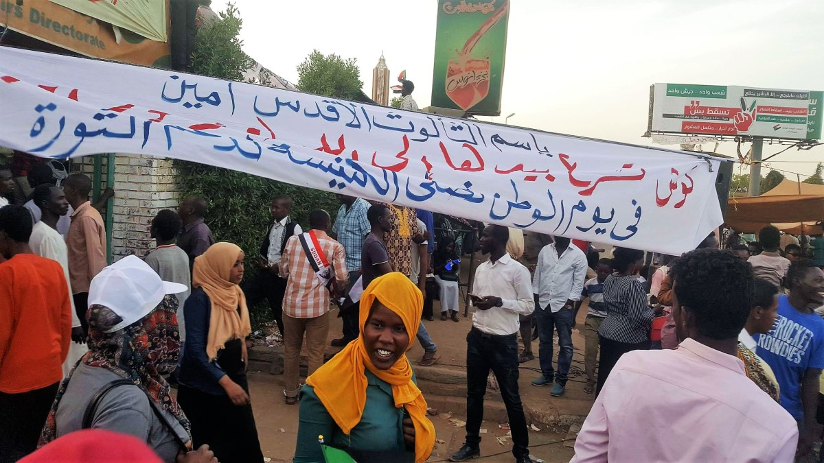 """""""Cusj zal zich haasten zijn handen uit te strekken naar God"""" – Gebedsbijeenkomst in Sudan"""